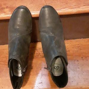 Womans Shoe